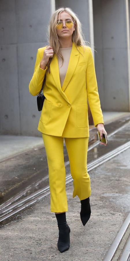 yellow-slim-pants-tan-tee-yellow-jacket-blazer-suit-blonde-sun-black-shoe-booties-black-bag-fall-winter-lunch.jpg