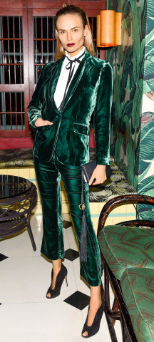 green-emerald-slim-pants-white-top-blouse-green-emerald-jacket-blazer-velvet-suit-black-shoe-pumps-blonde-howtowear-fashion-style-outfit-fall-winter-holiday-dinner.jpg