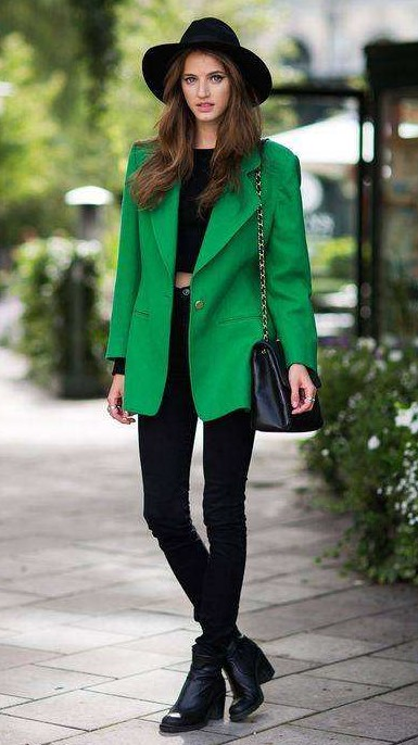 black-skinny-jeans-green-emerald-jacket-blazer-oversized-boyfriend-black-crop-top-brun-hat-black-bag-black-shoe-booties-fall-winter-lunch.jpg