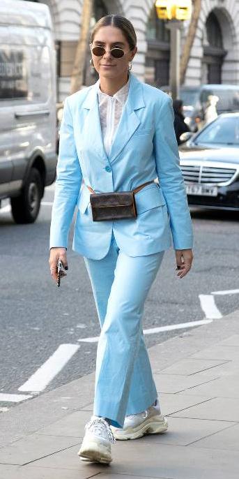 blue-light-wideleg-pants-suit-brown-bag-fannypack-white-top-blouse-blue-light-jacket-blazer-blonde-sun-hoops-white-shoe-sneakers-spring-summer-lunch.jpg
