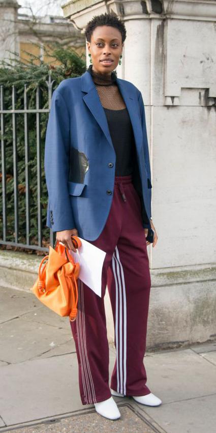 burgundy-wideleg-pants-orange-bag-white-shoe-booties-blue-navy-jacket-blazer-brun-earrings-black-top-trackpants-kirstinsinclair-fall-winter-lunch.jpg