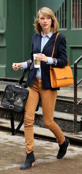 yellow-skinny-jeans-blue-light-collared-shirt-blue-navy-jacket-blazer-yellow-bag-blue-shoe-booties-taylorswift-fall-winter-blonde-work.jpg