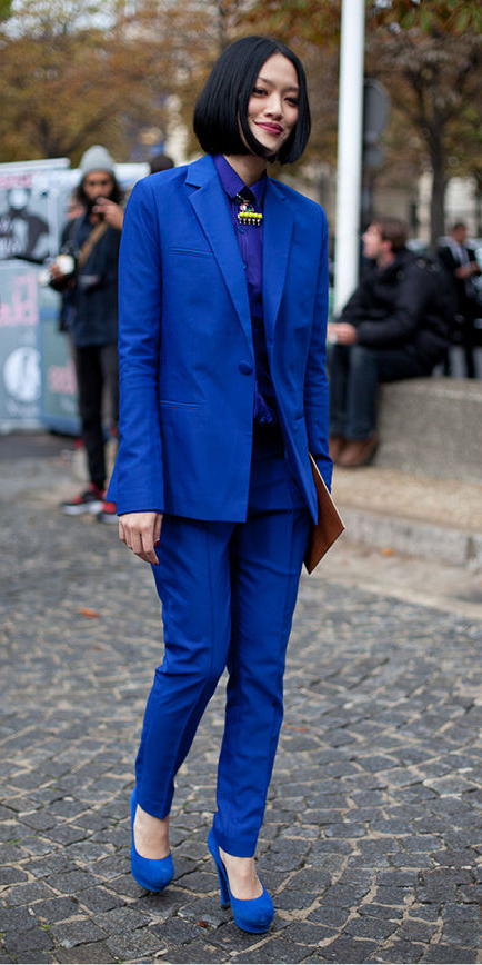blue-navy-slim-pants-blue-navy-collared-shirt-bib-necklace-blue-navy-jacket-blazer-suit-blue-shoe-pumps-mono-brun-bob-fall-winter-dinner.jpg