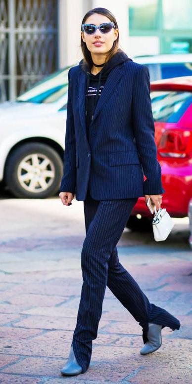 blue-navy-slim-pants-pinstripe-suit-blue-navy-jacket-blazer-black-sweater-sweatshirt-hoodie-choker-hairr-sun-fall-winter-lunch.jpg