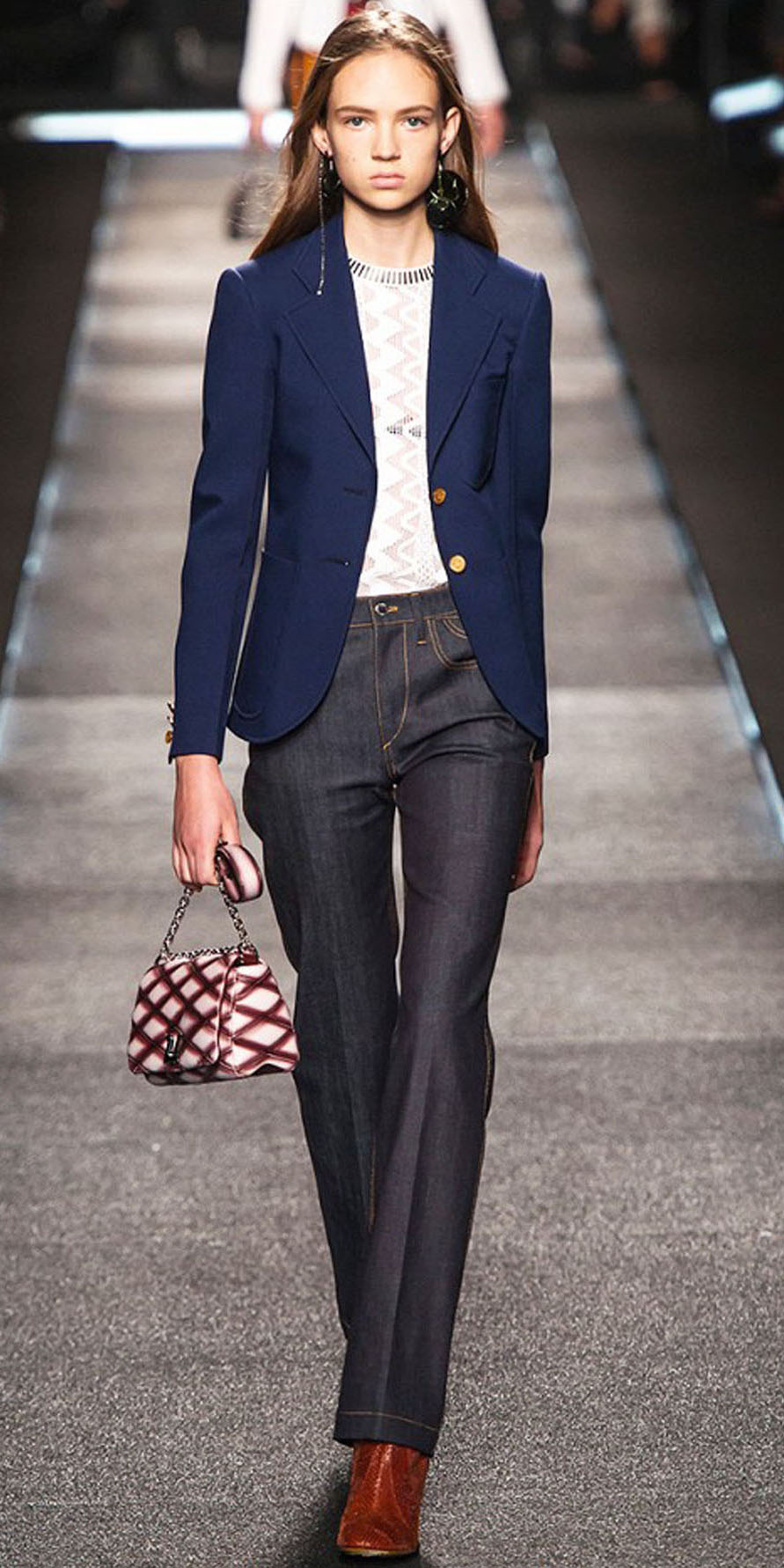 blue-navy-flare-jeans-white-top-blue-navy-jacket-blazer-cognac-shoe-booties-earrings-red-bag-wear-fashion-style-spring-summer-hairr-work.jpg