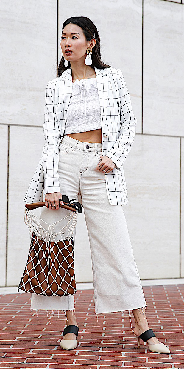 how-to-style-white-culottes-pants-white-crop-top-white-jacket-blazer-brun-earrings-mono-spring-summer-fashion-lunch.jpg