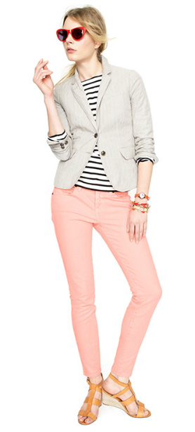 r-pink-light-skinny-jeans-blue-navy-tee-stripe-tan-shoe-sandalw-sun-pony-white-jacket-blazer-howtowear-fashion-style-outfit-blonde-spring-summer-lunch.jpg