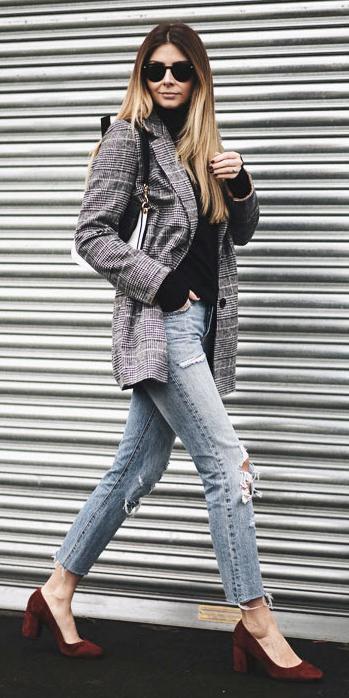 blue-light-skinny-jeans-black-sweater-turtleneck-sun-burgundy-shoe-pumps-grayl-jacket-blazer-boyfriend-fall-winter-blonde-lunch.jpg