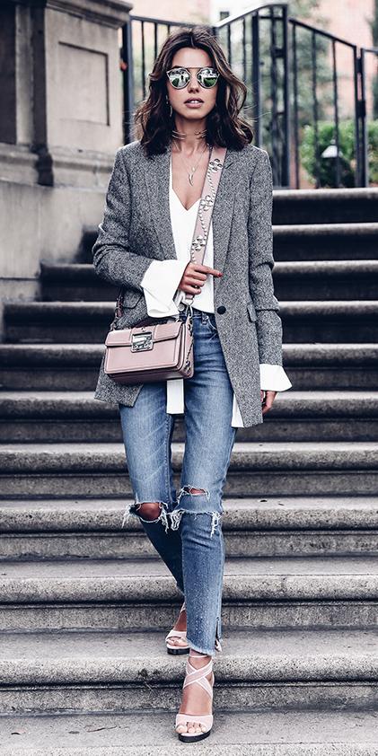blue-med-skinny-jeans-white-top-blouse-necklace-sun-pink-bag-white-shoe-sandalh-grayl-jacket-blazer-boyfriend-spring-summer-brun-lunch.jpg
