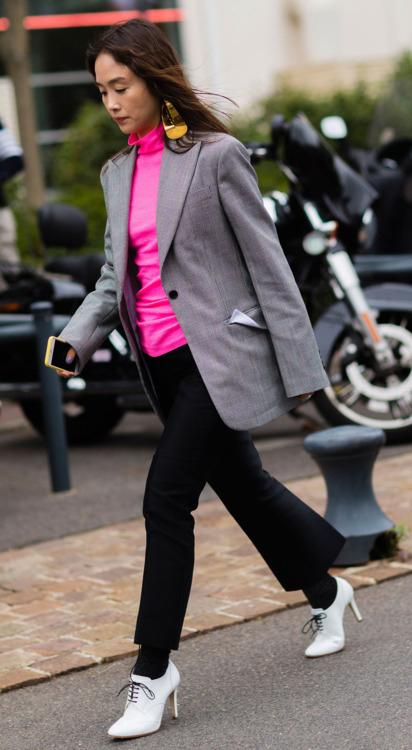 black-culottes-pants-pink-magenta-tee-turtleneck-socks-white-shoe-booties-grayl-jacket-blazer-earrings-brun-fall-winter-work.jpg