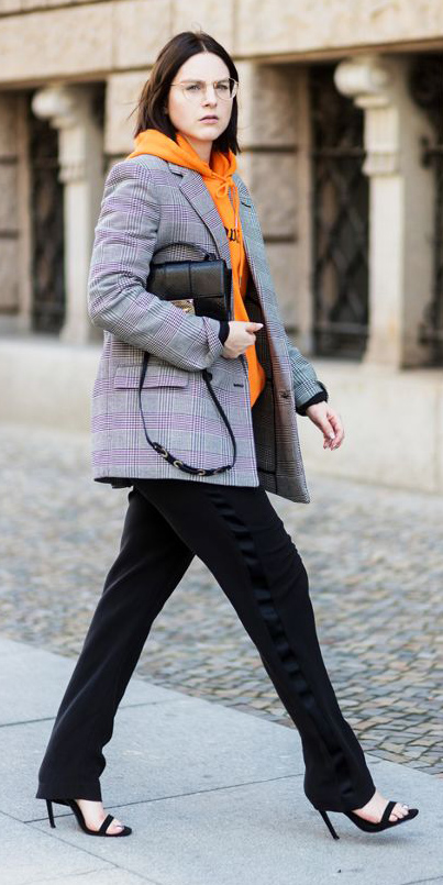 black-wideleg-pants-orange-sweater-sweatshirt-hoodie-brun-bob-grayl-jacket-blazer-boyfriend-black-bag-fall-winter-lunch.jpg