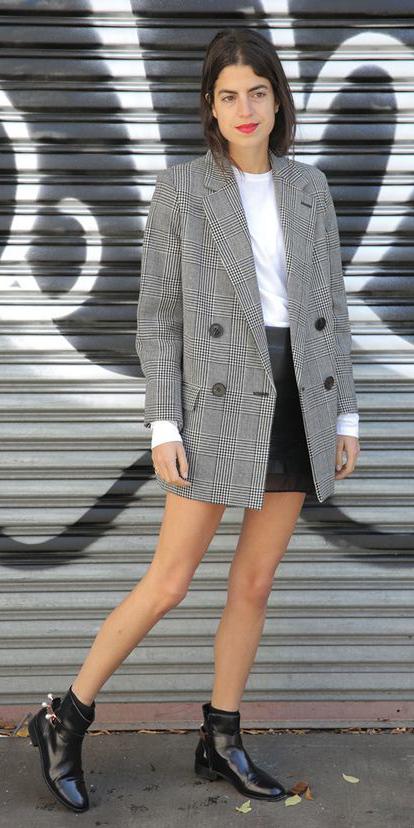 black-mini-skirt-white-tee-black-shoe-booties-grayl-jacket-blazer-boyfriend-fall-winter-brun-lunch.jpg