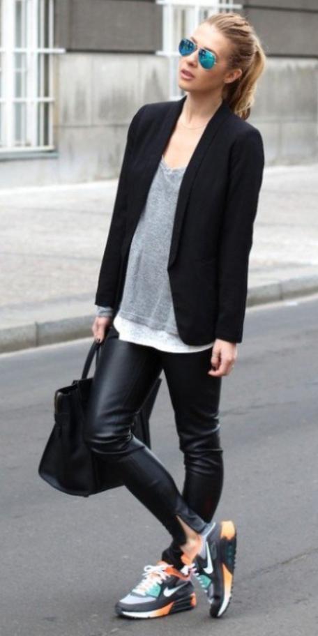 black-skinny-jeans-grayl-sweater-black-jacket-blazer-black-bag-sun-pony-howtowear-style-fashion-fall-winter-black-shoe-sneakers-leather-street-blonde-weekend.jpg