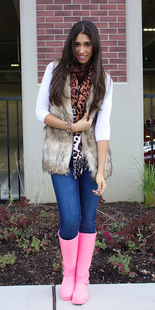 blue-med-skinny-jean-white-tee-layer-tan-vest-fur-fuzz-magenta-shoe-boots-rain-wellies-fall-winter-brun-weekend.jpg