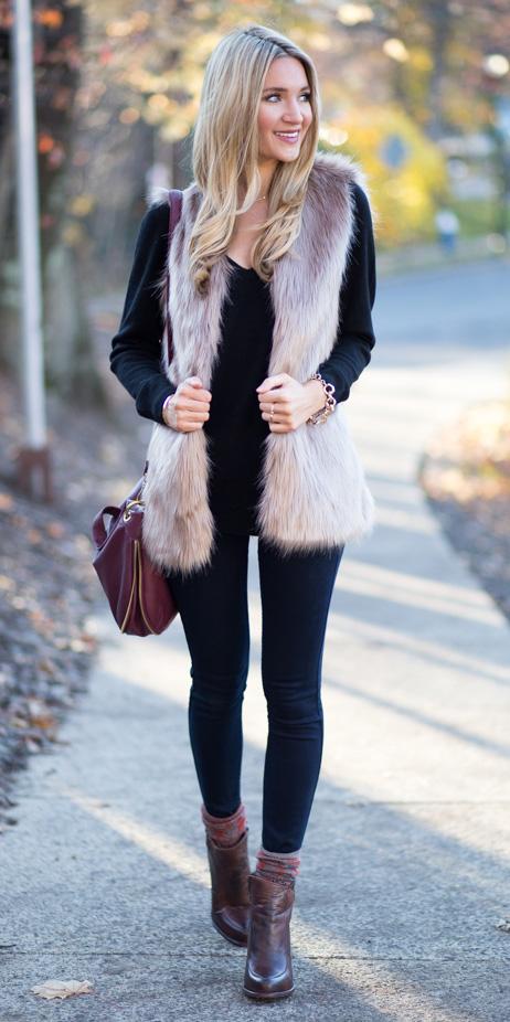 black-skinny-jeans-black-sweater-howtowear-fashion-style-outfit-fall-winter-tan-vest-fur-brown-shoe-booties-burgundy-bag-socks-blonde-lunch.jpg