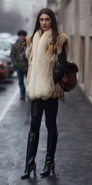 black-leggings-black-jacket-moto-o-tan-vest-fur-black-shoe-boots-burgundy-bag-model-howtowear-fashion-style-outfit-fall-winter-leather-street-brun-dinner.jpg