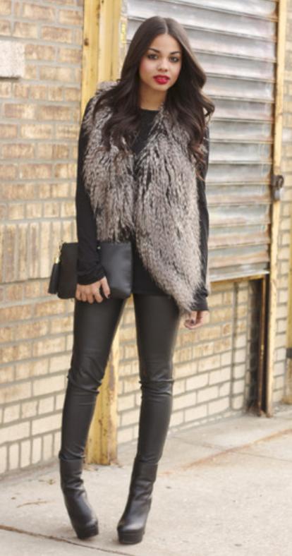 black-leggings-black-tee-o-tan-vest-fur-black-bag-clutch-black-shoe-booties-howtowear-fashion-style-outfit-fall-winter-basic-leather-brun-dinner.jpg