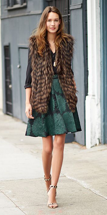green-dark-mini-skirt-black-blouse-brown-vest-fur-hairr-fall-winter-dinner.jpg