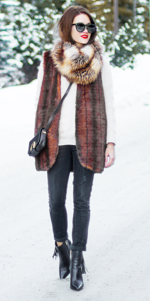black-skinny-jeans-white-sweater-black-bag-black-shoe-booties-sun-hairr-tan-scarf-brown-vest-fur-fall-winter-lunch.jpg