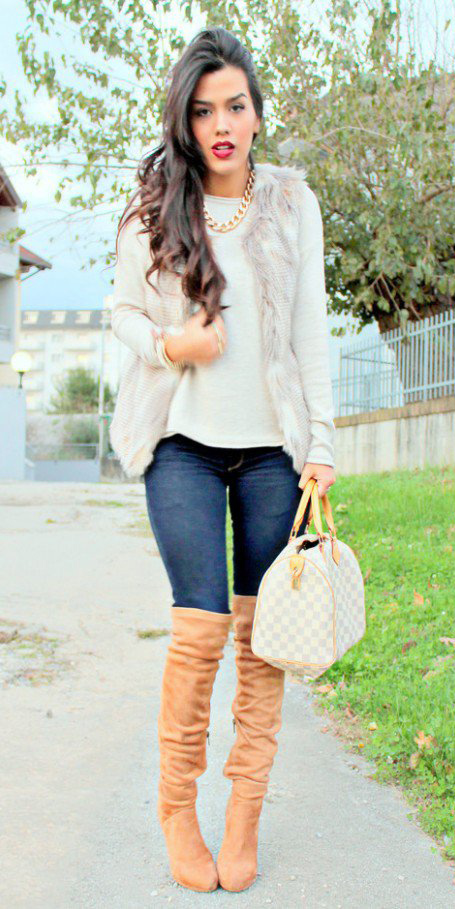 blue-navy-skinny-jeans-white-sweater-howtowear-fashion-style-outfit-fall-winter-fuzz-white-vest-fur-tan-shoe-boots-chain-necklace-white-bag-brun-lunch.jpg