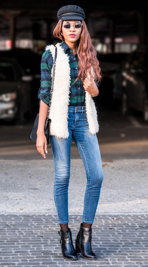 blue-med-skinny-jeans-green-emerald-plaid-shirt-white-vest-fur-fuzz-hat-sun-black-bag-black-shoe-booties-fall-winter-brun-lunch.jpg