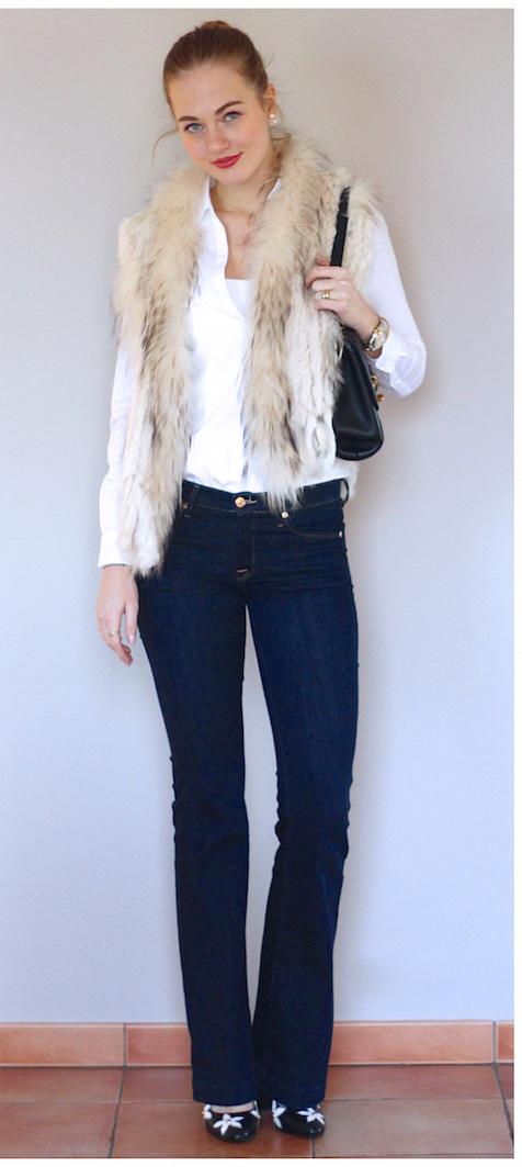 blue-navy-flare-jeans-white-collared-shirt-white-vest-fur-black-shoe-pumps-black-bag-bun-wear-fashion-style-fall-winter-blonde-lunch.jpg