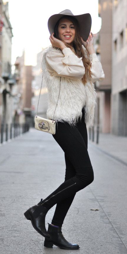 black-skinny-jeans-white-top-blouse-peasant-white-vest-fur-howtowear-fashion-style-outfit-fall-winter-black-shoe-booties-white-bag-hat-hairr-lunch.jpg