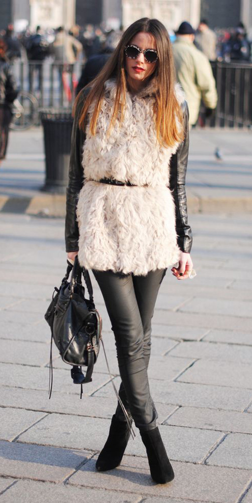 black-skinny-jeans-black-jacket-moto-white-vest-fur-howtowear-fashion-style-outfit-fall-winter-belt-leather-mono-street-black-shoe-booties-sun-black-bag-hairr-lunch.jpg