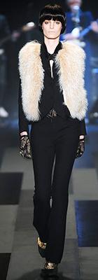 black-slim-pants-black-jacket-blazer-white-vest-fur-black-shoe-pumps-runway-gloves-fall-winter-brun-dinner.jpg