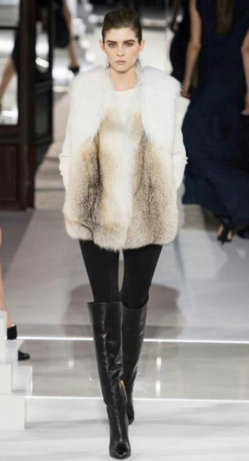 black-leggings-white-sweater-white-vest-fur-pony-howtowear-fashion-style-outfit-fall-winter-basic-black-shoe-boots-runway-brun-lunch.jpg