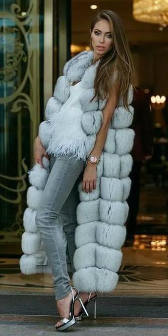 grayl-skinny-jeans-tonal-grayl-vest-fur-hairr-gray-shoe-sandalh-fall-winter-dinner.jpg