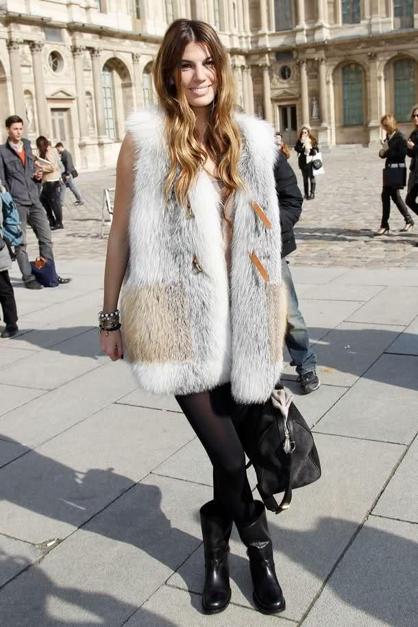 grayl-vest-fur-fuzz-black-tights-black-shoe-booties-fall-winter-hairr-lunch.jpg
