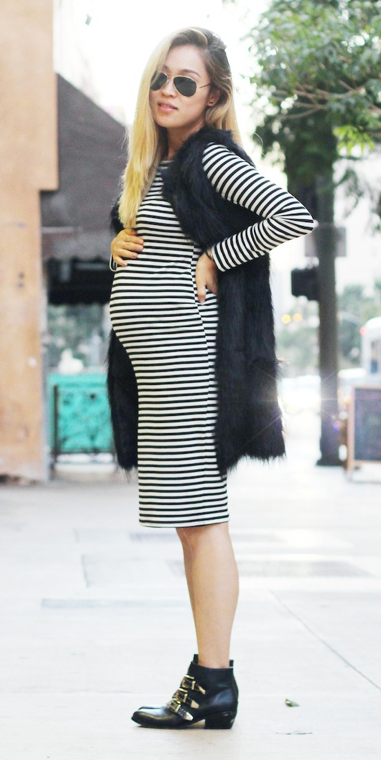 white-dress-tshirt-bodycon-stripe-black-vest-fur-blonde-sun-black-shoe-booties-fall-winter-weekend.jpg