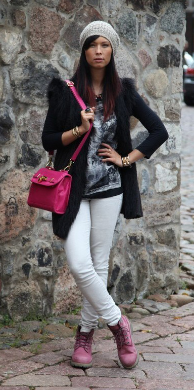 white-skinny-jeans-black-vest-fur-fuzz-beanie-pink-bag-pink-shoe-booties--fall-winter-brun-weekend.jpg