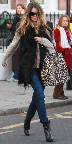 blue-navy-skinny-jeans-o-tan-sweater-black-vest-fur-howtowear-fashion-style-outfit-fall-winter-turtleneck-black-shoe-booties-leopard-tan-bag-sun-street-hairr-lunch.jpg