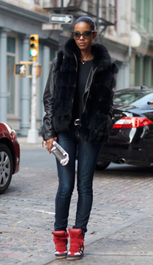 blue-navy-skinny-jeans-black-tee-black-jacket-moto-howtowear-style-fashion-fall-winter-black-vest-fur-red-shoe-sneakers-wedge-sun-pony-belt-brun-weekend.jpg