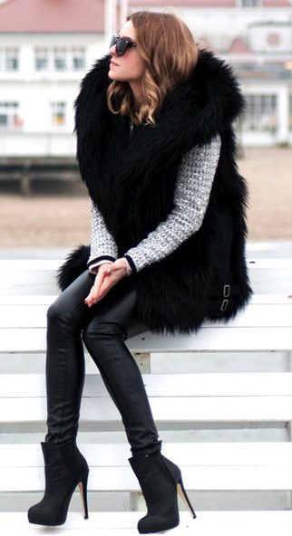 black-leggings-grayl-sweater-black-vest-fur-fuzz-black-shoe-booties-fall-winter-hairr-dinner.jpg
