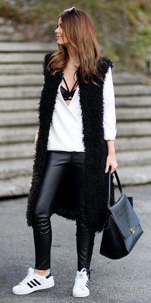 black-leggings-white-top-blouse-wear-style-fashion-fall-winter-black-vest-fur-black-bag-bralette-white-shoe-sneakers-leather-hairr-lunch.jpg