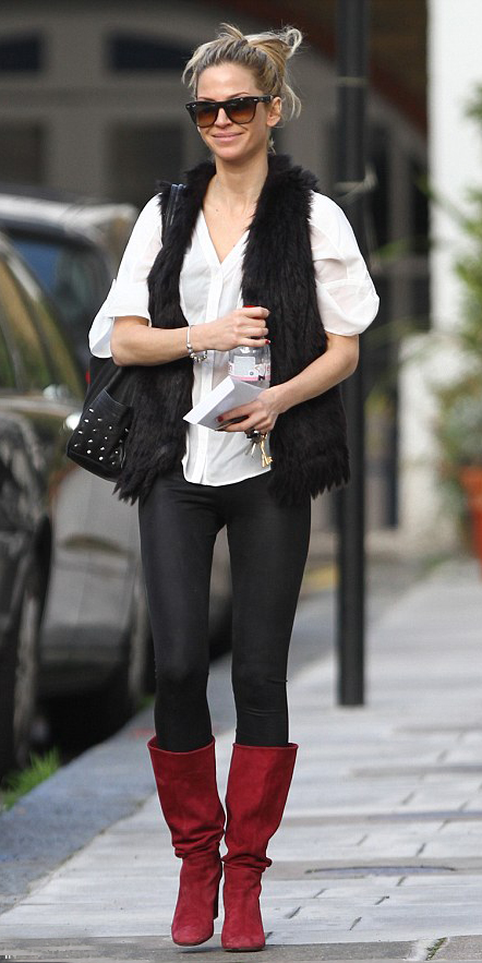 black-leggings-white-top-black-vest-fur-red-shoe-boots-bun-sun-black-bag-wear-outfit-fashion-fall-winter-blonde-lunch.jpg