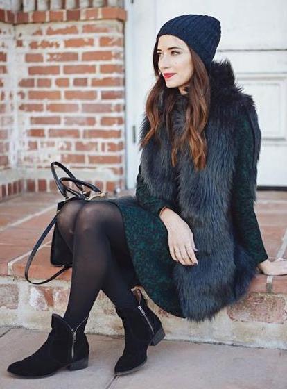 green-dark-dress-black-vest-fur-beanie-black-tights-black-shoe-booties-black-bag-aline-howtowear-fashion-style-outfit-fall-winter-lunch.jpg