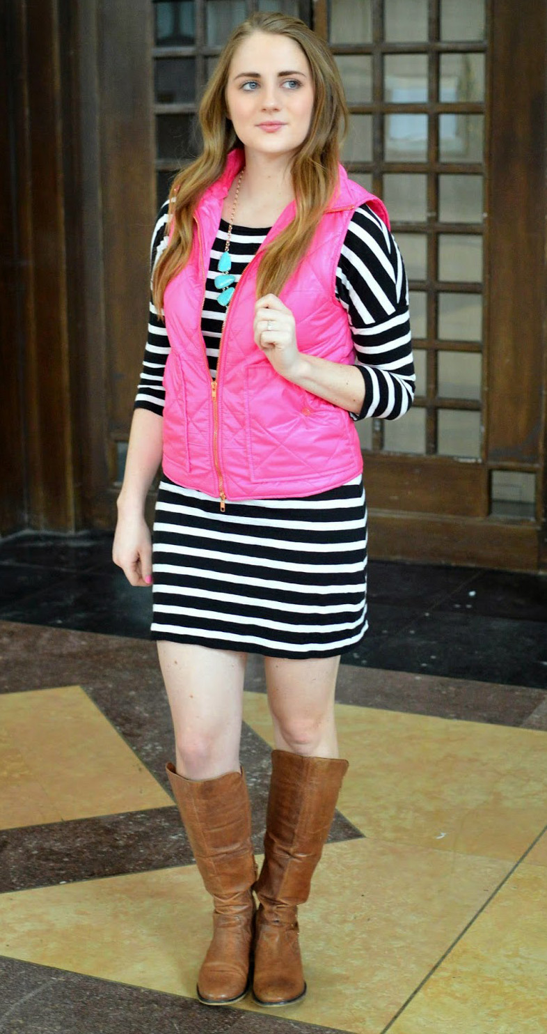 black-dress-print-stripe-necklace-turquoise-pink-magenta-vest-puffer-brown-shoe-boots-tshirt-howtowear-fashion-style-outfit-hairr-fall-winter-weekend.JPG