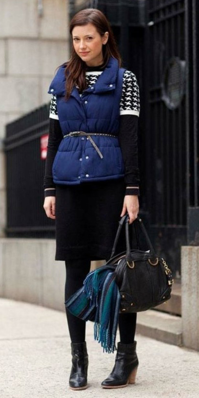 black-dress-sweater-blue-navy-vest-puffer-skinny-belt-brun-black-tights-black-bag-black-shoe-booties-fall-winter-lunch.jpg