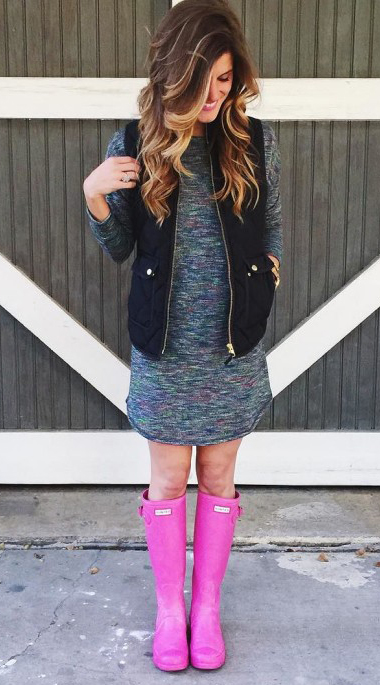 grayd-dress-sweater-black-vest-puffer-magenta-shoe-boots-rain-howtowear-fashion-style-outfit-spring-summer-hairr-weekend.jpg