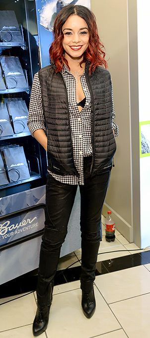 black-skinny-jeans-black-collared-shirt-black-vest-puffer-howtowear-fashion-style-outfit-fall-winter-black-bralette-black-shoe-ooties-vanessahudgens-brun-dinner.jpg