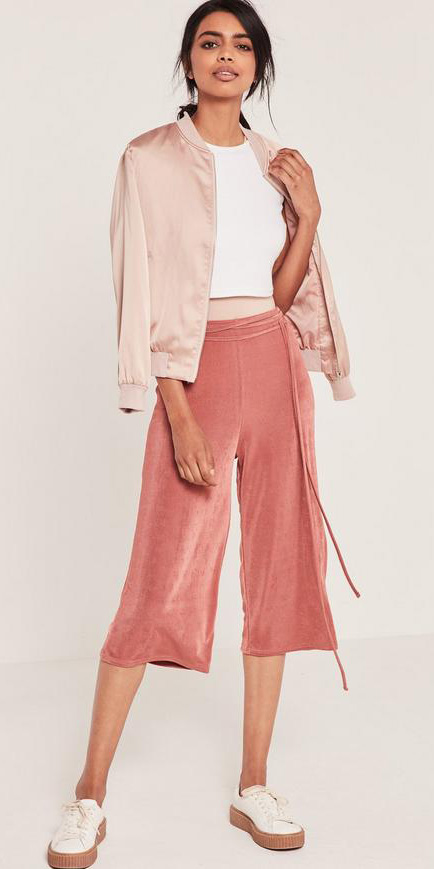 pink-light-culottes-pants-white-crop-top-pink-light-jacket-bomber-white-shoe-sneakers-spring-summer-lunch.jpg