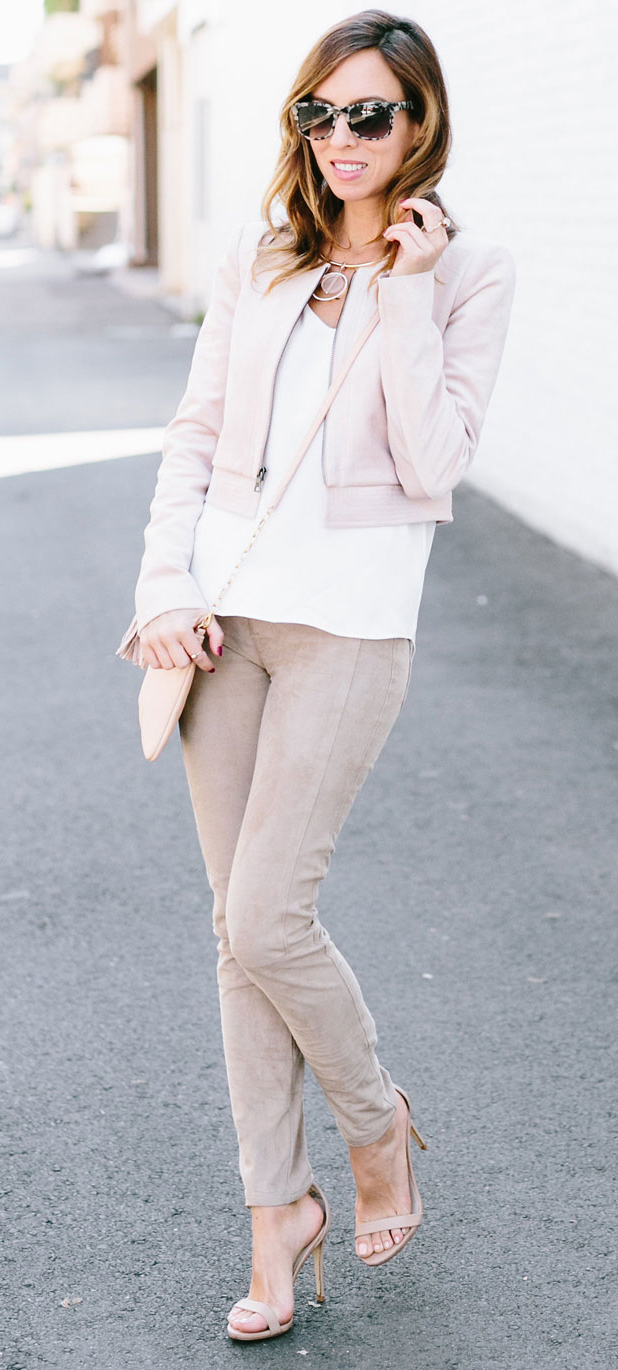 o-tan-skinny-jeans-white-tee-pink-light-jacket-bomber-tan-shoe-sandalh-tan-bag-sun-necklace-howtowear-fashion-style-outfit-spring-summer-hairr-lunch.jpg