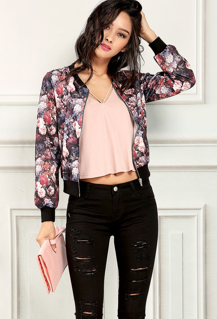 black-skinny-jeans-pink-light-tee-pink-light-jacket-bomber-floral-print-pink-bag-clutch-howtowear-fashion-style-outfit-spring-summer-brun-dinner.jpg