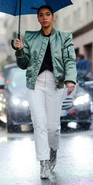 green-olive-jacket-bomber-white-shoe-booties-snakeskin-brun-rain-fall-winter-lunch.jpg
