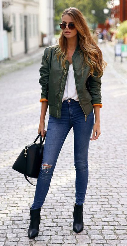 blue-navy-skinny-jeans-white-tee-green-olive-jacket-bomber-black-shoe-booties-black-bag-sun-howtowear-fashion-style-outfit-spring-summer-hairr-lunch.jpg
