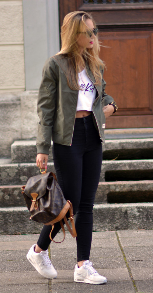 black-skinny-jeans-white-tee-crop-graphic-green-olive-jacket-bomber-sun-brown-bag-pack-white-shoe-sneakers-howtowear-fashion-style-outfit-spring-summer-hairr-weekend.jpg